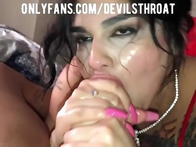 Slutty spectacular Latina gives the sloppiest Junkie you spinal column ever look at