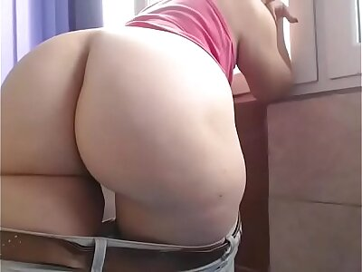 Fat ass untrained webcam show