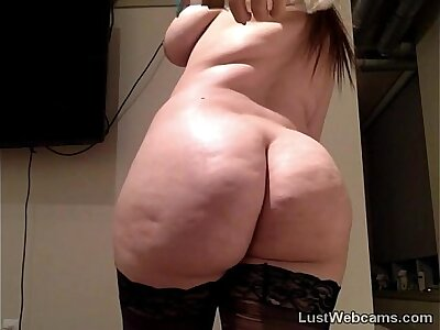 Chubby dour rides dildo on high webcam