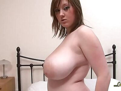 Young, chubby woman plays with her chunky tits not susceptible cam